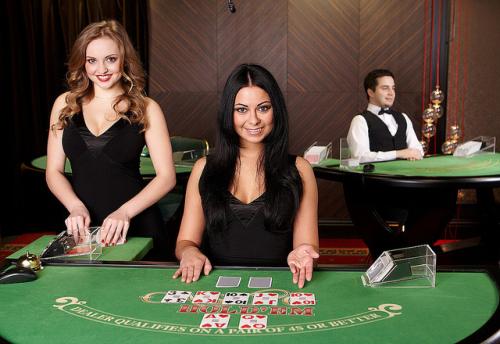 """""""In een live casino speel je casino spellen via het internet met echte dealers"""""""